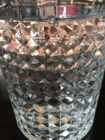 Vatten i glasen.