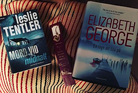 Böckerna Mord vid midnatt och En lögn att lita på