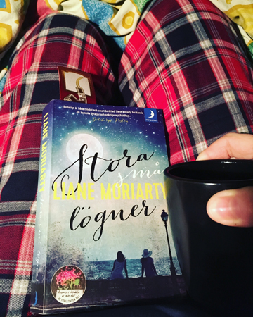 Kaffe och boken Stora små lögner
