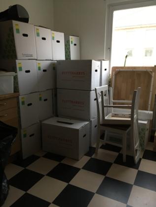 Ännu fler lådor till köket.