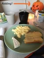 Scrambled eggsfrukost
