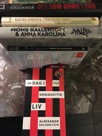 Fyra rätta böcker och en fel från bokus
