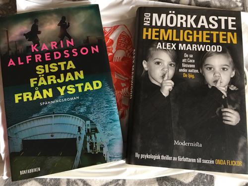 Böckerna Sista färjan från Ystad o Den mörkaste hemligheten