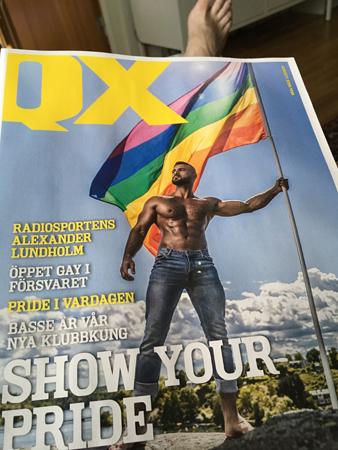 Tidningen QX och min fot