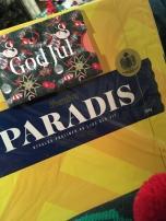 Paradisask och presentkort på Åhléns fr Annas snälla mamma