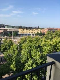 Utsikt från ett av tre fönster över Stora torget